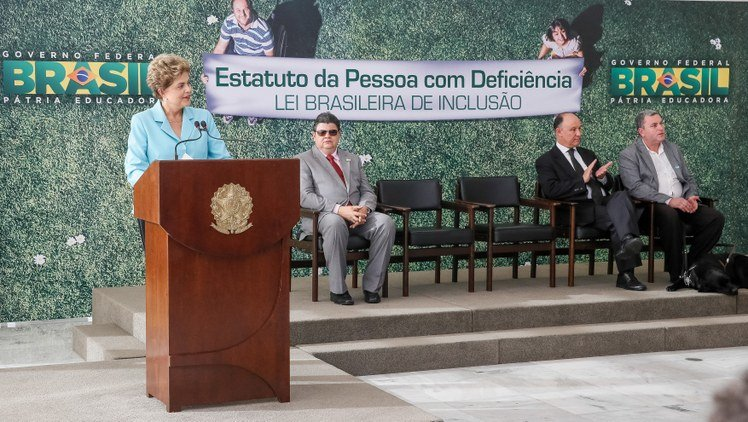 Presidenta Dilma Rousseff durante cerimônia de sanção do Estatuto da Pessoa com Deficiência